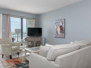 Gulf front condo w/shared outdoor pool, private balcony, & gorgeous beach views