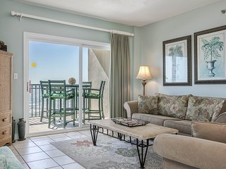 Beachfront condo overlooking the Gulf w/ private balcony & shared pool access!