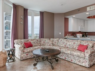Gulf-front corner condo w/ wrap-around deck & shared pools/hot tubs/sauna!