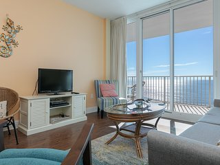 Spacious beachfront condo overlooking the Gulf w/ shared pools & hot tubs!