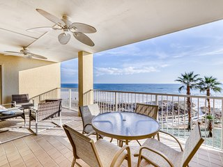 Gulf front escape w/ a private balcony, shared hot tub, pools, gym, & tennis
