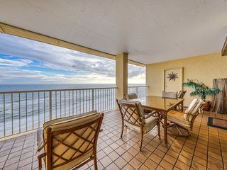 Beachfront paradise w/ a shared hot tub & pools - groups & dogs welcome!