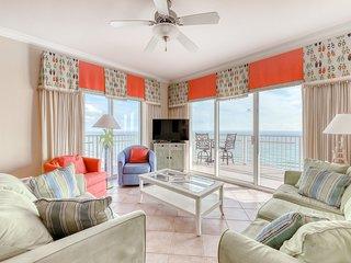 Beachfront condo with indoor/outdoor pools, hot tub, gym & sauna!