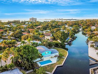 Spacious home w/ wonderful view of the intercoastal canal & private pool!