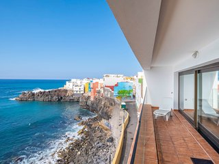 Fantastic dog-friendly lofts near the sea w/ free WiFi & fully-equipped kitchens