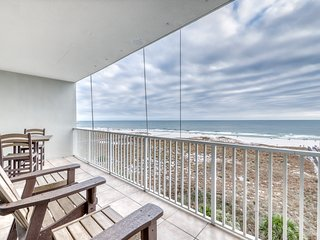 Central beach property w/ indoor pool, Gulf-side pool, fitness room, & sauna!