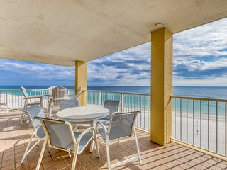 Gulf front corner condo w/ inviting balcony, shared pools, gym, & beach access