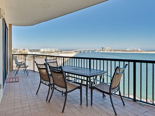Gulf-front condo w/ beautiful views of The Pass & shared pools/hot tubs!
