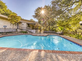 Spacious and secluded home w/private pool, enclosed yard, and dog-friendly!