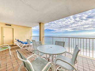 Waterfront condo w/ a private balcony, shared pools, & tennis -snowbird-friendly