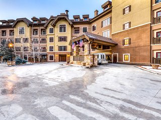 Top floor Vail Valley home w/shared pool, hot tub & fitness center-Bus to slopes