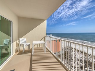 Gulf-front condo w/ views & shared indoor/outdoor pools, hot tub & sauna!