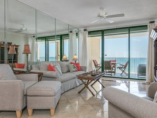 High-rise, Gulf front condo w/ a private balcony, shared pools, gym, & tennis