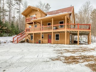 Dog-friendly home w/ jetted tub, large deck, & forest views - close to skiing!