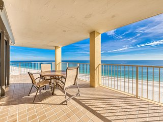 Gulf front condo - ideal for snowbirds & groups w/ shared pools, hot tub, tennis