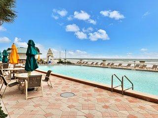 Waterfront getaway w/ a shared hot tub, pools, splash area, & beach access