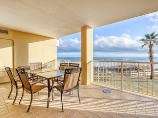 Gulf front condo w/ balcony, shared hot tub, pools, tennis, & a putting green