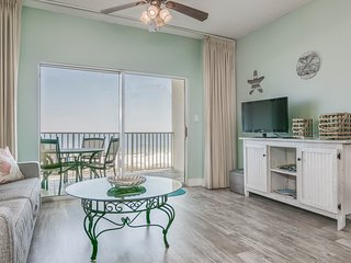 Cozy Gulf front condo w/ indoor pool, beach-side, outdoor pool, & exercise room!