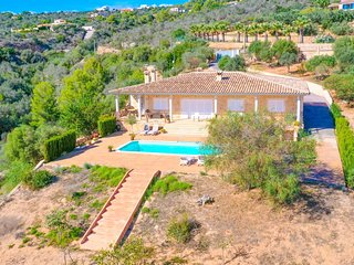 Villa Puntiro with spectacular panoramic views in an idyllic location