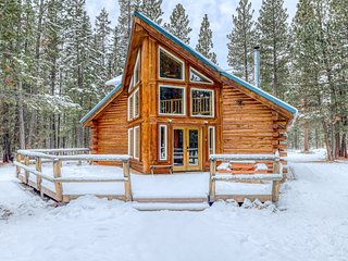 Warm and cozy log cabin in secluded and peaceful forest setting?