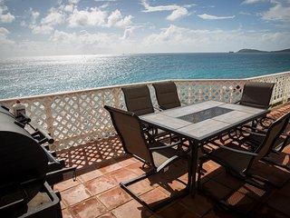 Panoramic Oceanfront Villa Loft- Salty Sway I