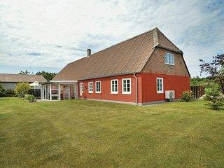 Nice home in Højer w/ 2 Bedrooms (S10339)