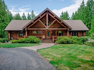 A Log House in a Private Forest (Near Portland Oregon PDX)