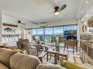 Beach View+Vibe! Highly Upgraded w/Gourmet Kitchen, WiFi, Lanai–Waikiki Shore