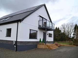 Gerycastell, Contemporary Two Bedroom First Floor Apartment in the Towy Valley