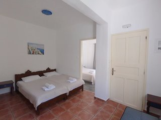 4-5 persons Apartment 30 meters from Perissa Beach