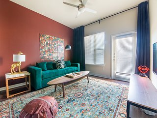 WanderJaunt | Hopkins | 1BR | East Austin