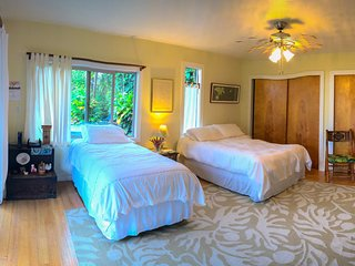 Sunset Suite w/ Ocean View -  Big Island Farmstay