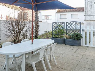 Stunning apartment in La Tranche sur Mer w/ 2 Bedrooms (FVE214)