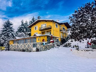 Enchanting Villa Suite Close To Mineral Baths