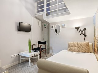 Bright & Modern 2-Bedroom Apartment in Centro, Madrid