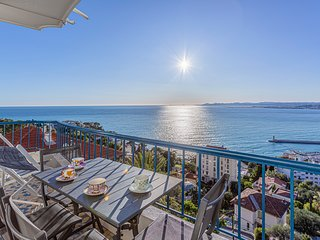 Nice French Riviera, Sea views, terraces, garage, 2 br Air conditioned, wifi 6