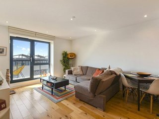 Stunning 1-Bedroom Apartment w/Balcony in Bethnal Green