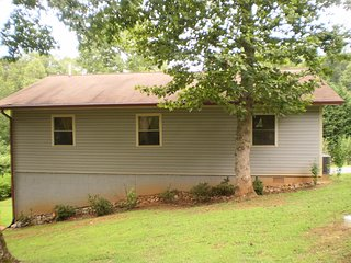 Vacation Rental in North GA Mountains PETS GO FOR FREE