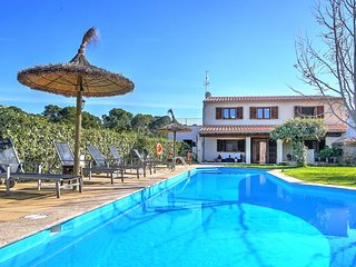 Ca Na Capitana, beautiful family villa for rent with pool and garden