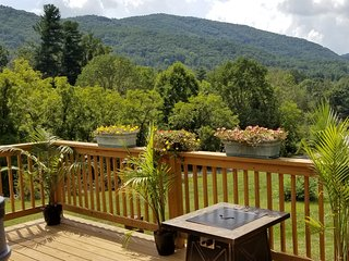 East Asheville, HotTub, Views, Fire Pit, Parkway