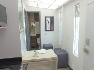 Apartment in a central area near shops and public transport!