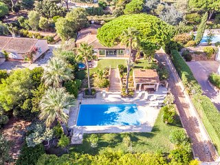 211024 villa, 6 bedrooms, partly airco,pool,sea view, Nartelle beach at 1300 mtr