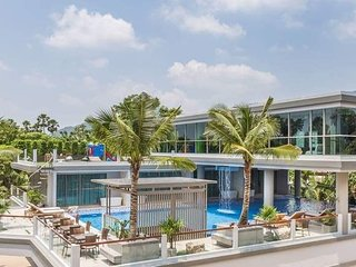 Apartment near BangTao beach with Pool and Bathtub