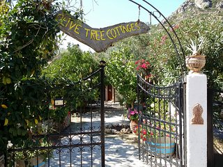 Olive tree Cottages 4