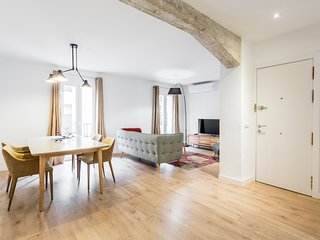 Modern & Chic 2BR/2BA apartment in trendy Chueca