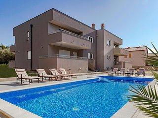 Beautiful home in Pula w/ Outdoor swimming pool and 4 Bedrooms (CIR392)