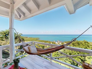 NEW LISTING! Romantic getaway w/ sea views, hammock & outdoor dining!