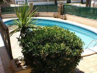 Casa de 4 habitaciones, 2 banos, piscina privada