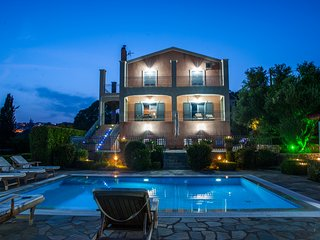 Kefalonia Holiday Villa with Private Pool, Sea Views, WiFi. 5 bedroom, sleeps 9