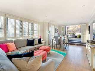 Modern & Bright 2-Bed Apt in Hampstead W/ Terrace!